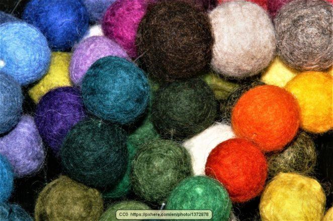 Making Your Own Homemade Woolen Dryer Balls